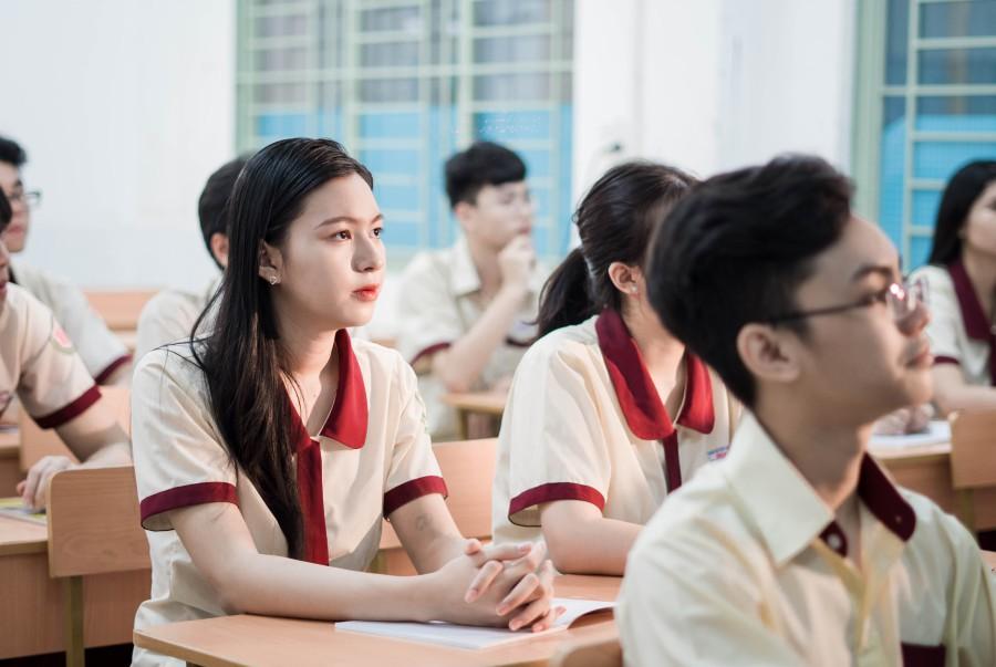 lớp học trường nội trú hoa sen