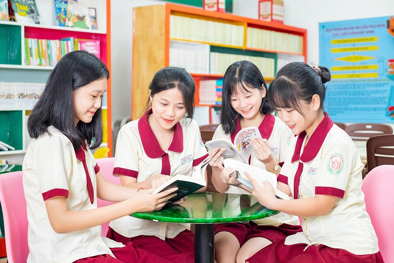 Trường Nội Trú Cấp 2 Hoa Sen Tại TpHCM