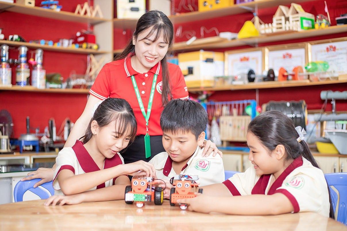 Học sinh cấp 2 trường Nội Trú Hoa Sen TPHCM